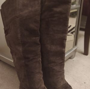 Chocolate Brown Suede Boots.